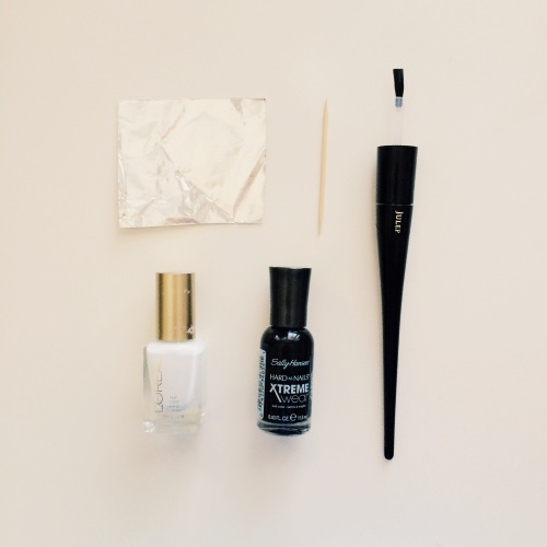 Tools I used // Plie Wand & brush + L'Oreal I Will + Sally Hansen Black Out + toothpick + foil