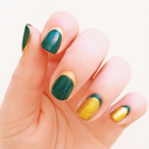 St. Patrick's Day Nail Art // Novels and Nail Polish