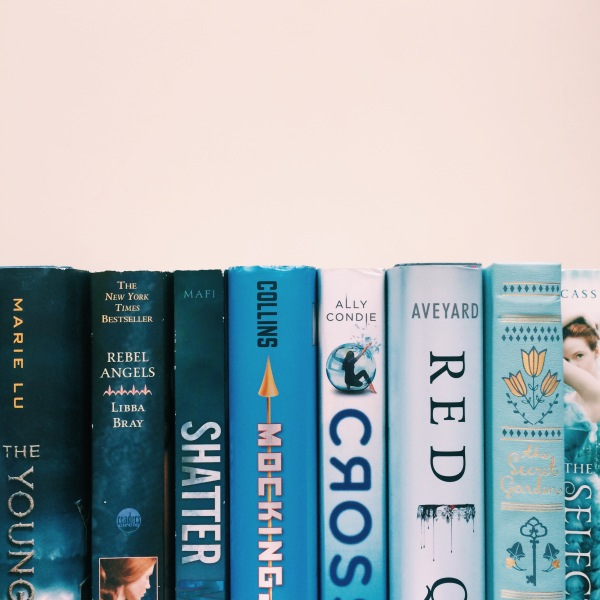 Blue Ombre Books // Novels and Nail Polish