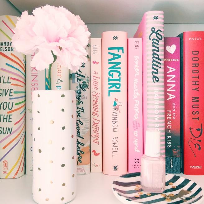 Book rainbow // Novels and Nail Polish